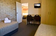 Two bedroom family spa unit at Starlight Motor Inn